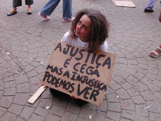 http://www.blablagol.com.br/wp-content/uploads/2007/08/injustica.jpg