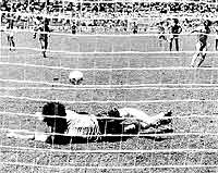 Zico perde penalti 02