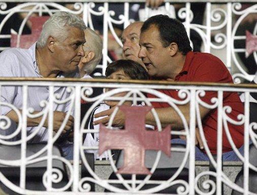 http://www.blablagol.com.br/wp-content/uploads/2009/10/Roberto-Dinamite-e-S%C3%A9rgio-Cabral.jpg