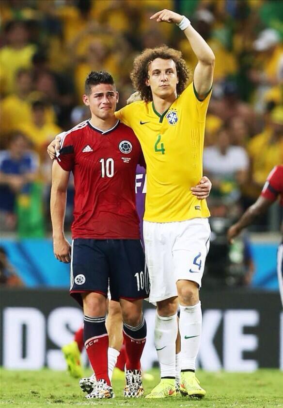 Aplaudi de véspera em Colômbia 2x0 Uruguai. Merecidíssimos.